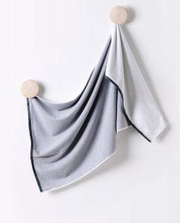 grey_towel_concreate_f7b682af-8bf3-4c84-8cad-3f0e1600a7cb_grande